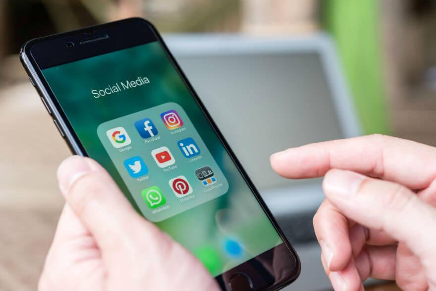 Using social media for ecommerce